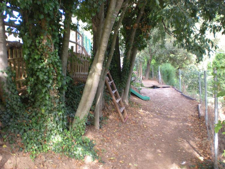 Jardí Encantat a Can Castellví, lloc de lleure per a nens a la natura